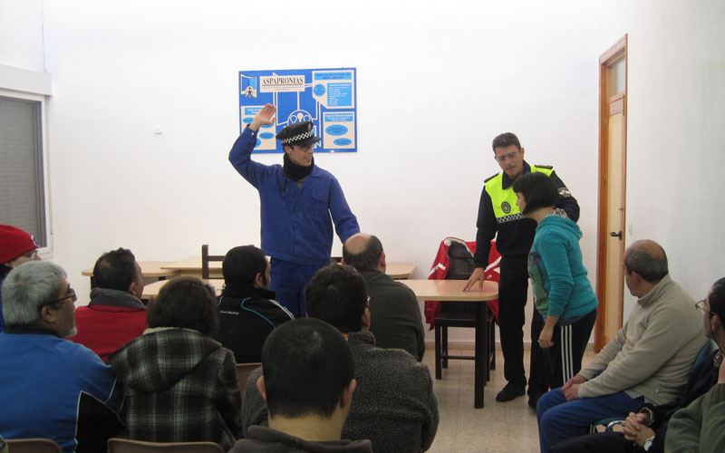 El Ayuntamiento extiende su campaña de educación vial a los alumnos de Aspapronia