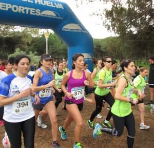 Salida de la prueba femenina del Cross disputado en Isla Cristina.