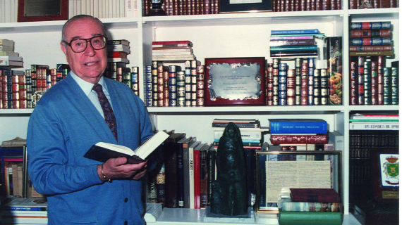 Moguer rinde homenaje a Francisco Garfias con una lectura de sus poemas