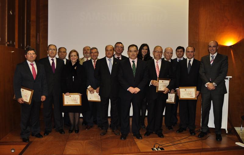 Foto de los asistentes al acto de celebración del 25 aniversario de Apyme La Palma.