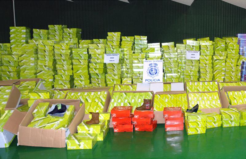 Zapatos recuperados por la Policía Nacional.