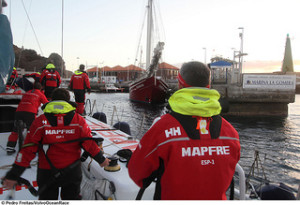 La embarcación de Fernando Echávarri llegó a San Sebastián de La Gomera a las ocho de la mañana, hora peninsular.