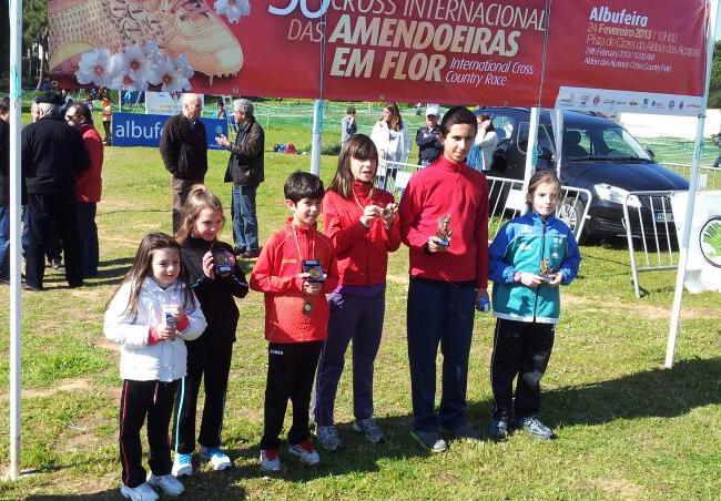 Gran éxito en tierras portuguesas de las jóvenes promesas del atletismo de Cartaya.