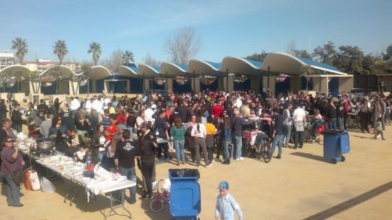 """La """"Comida del Carnaval"""" congrega a casi mil personas en Isla Cristina"""