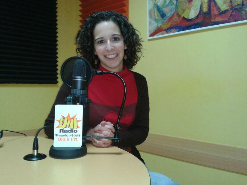 Cinta Espino, en los estudios de Uniradio situados en el Campus de El Carmen.