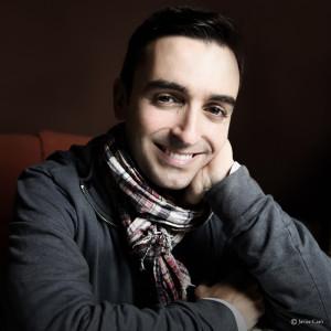 El escritor moguereño, Daniel Blanco.
