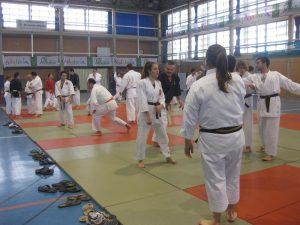 Unos 40 aficionados a las artes marciales se han dado cita en el Pabellón del Complejo Deportivo José Hernández Albarracín