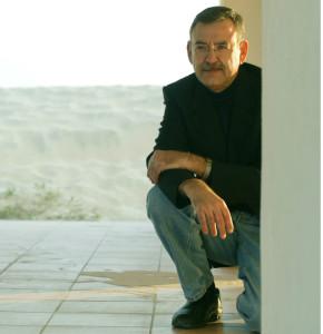 El pintor lepero vuelve a exponer en Huelva este verano. / Foto: Moisés Fernández.
