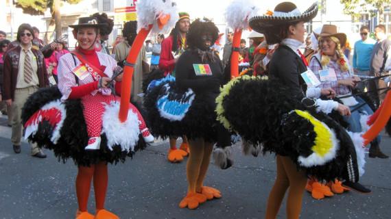 El Carnaval de Punta Umbría sale a la calle con el desfile de la Cabalgata