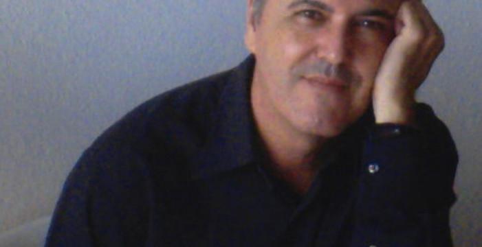 Juan Cobos Wilkins presenta este miércoles su nuevo libro 'Matar poetas' en Huelva