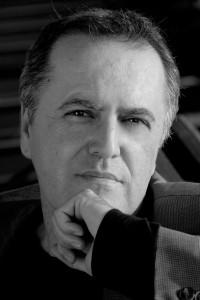 El escritor Juan Cobos Wikins / Foto: María Clauss.