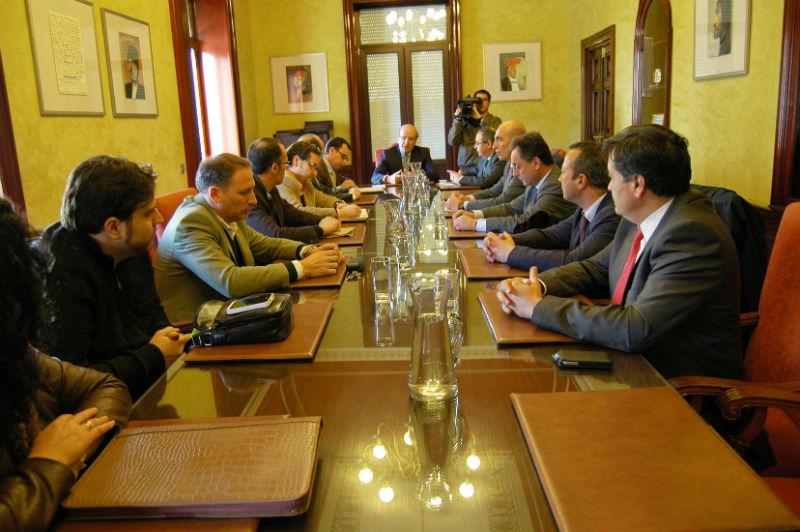 Reunión de la Mesa de Comercio y Turismo del Ayuntamiento de Huelva para aprobar los presupuestos de este sector