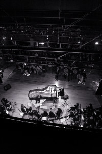 Junto a Rafael Prado, en el escenario se subirán 25 músicos, todos onubenses. / Foto: Víctor Ríos.