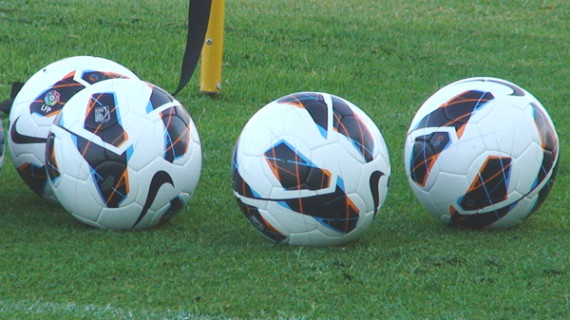 El Murcia-Recre del sábado ya se jugará de nuevo con el balón blanco