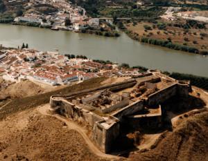 El castillo de San Marcos en Sanlúcar de Guadiana.