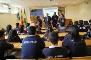 Charla a los alumnos de Secundaria del Colegio Montessori.