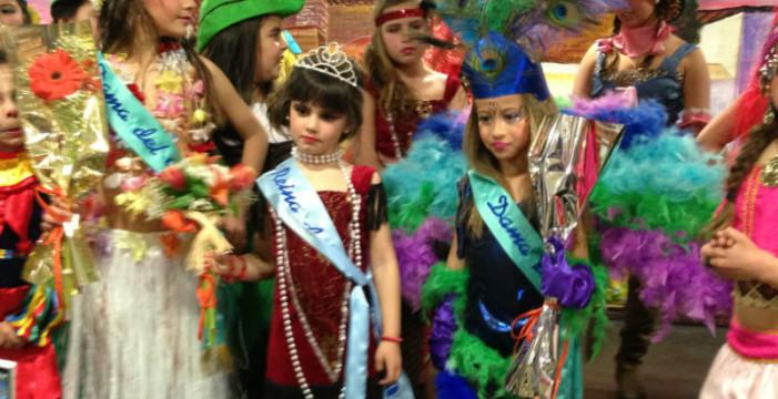 El Distrito V de Huelva celebra su particular Carnaval con la elección de las Reinas Infantil y Juvenil