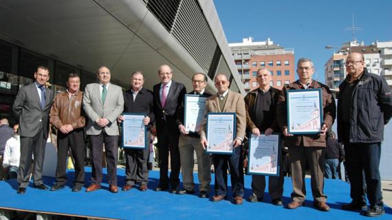 El mercado del Carmen homenajea a sus comerciantes más veteranos