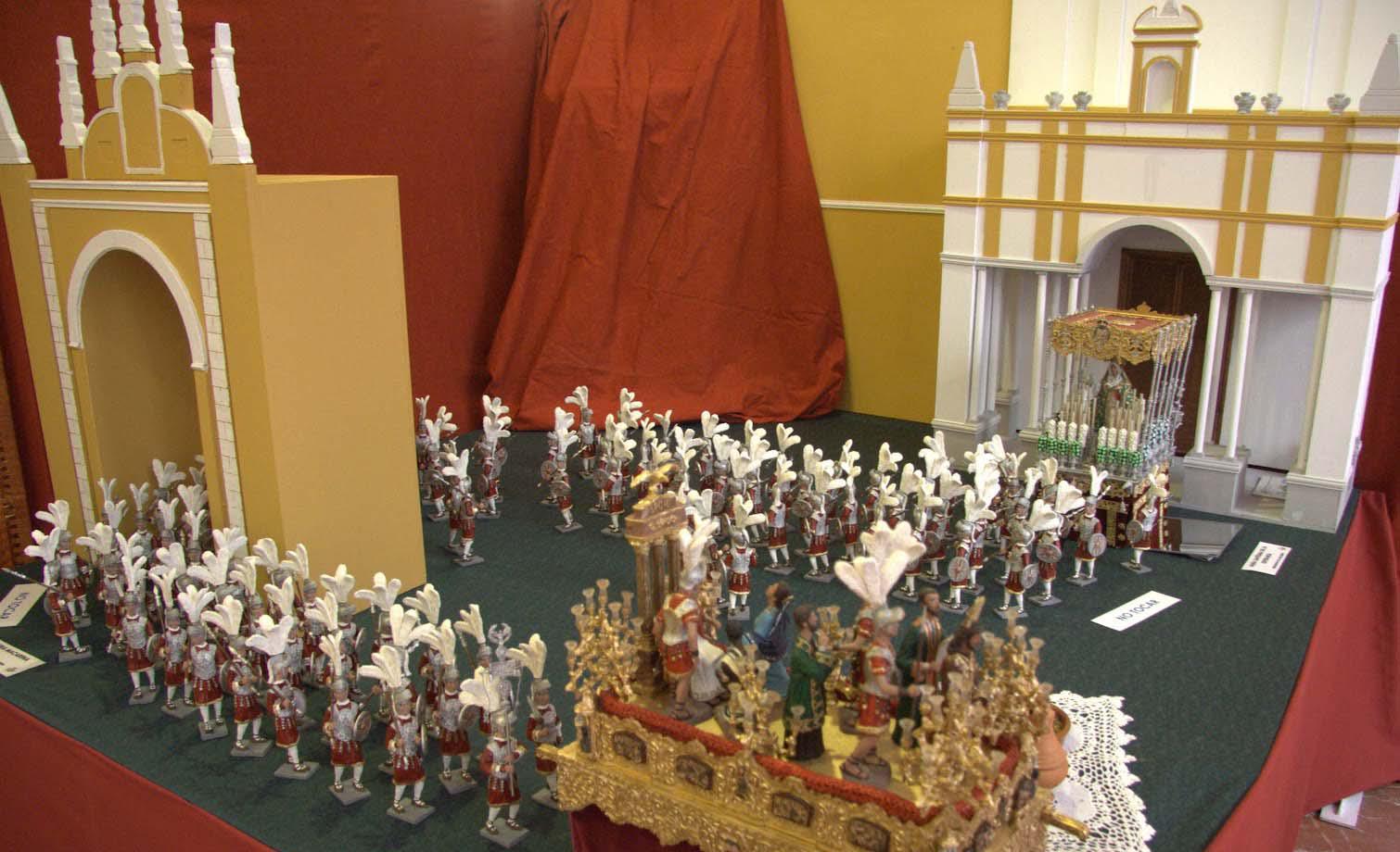 Una muestra recoge en la Casa Colón un centenar de pasos en miniatura de la Semana Santa de Andalucía