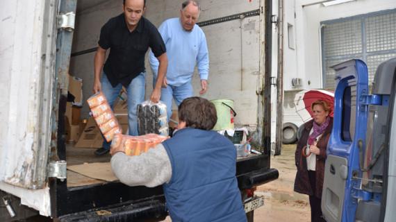 Palos envía 600 kilos de alimentos a los campos de refugiados del pueblo saharaui