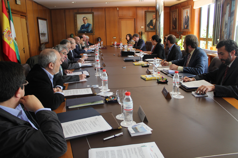 Los beneficios del Puerto de Huelva crecieron en un 72% en 2012