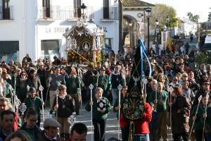 La carreta de San Juan, acompañada por sus fieles peregrinos, hacía entrada en Almonte poco después de las 17:30