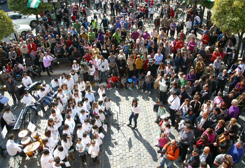 El acto institucional tendrá lugar a las 12.00 en la plaza de España.