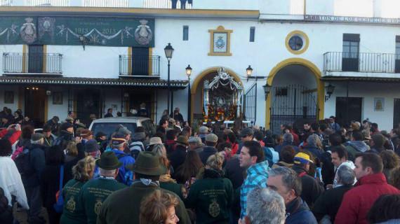 La carroza del Simpecado de San Juan ya camina hacia Almonte