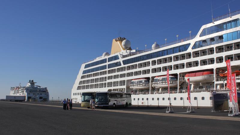 El Puerto de Huelva, destino de cruceros turísticos.