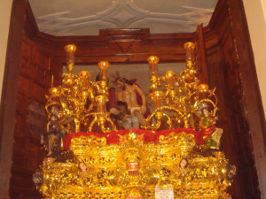 El paso del Cristo del Buen Viaje fue el primero en salir de la Catedral.
