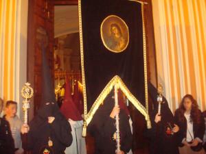 La Hermandad de los Judíos procesiona en el Jueves Santo de Huelva.