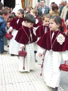 El recorrido de esta Hermandad se ha caracterizado por los numerosos niños que desfilan en la cofradía