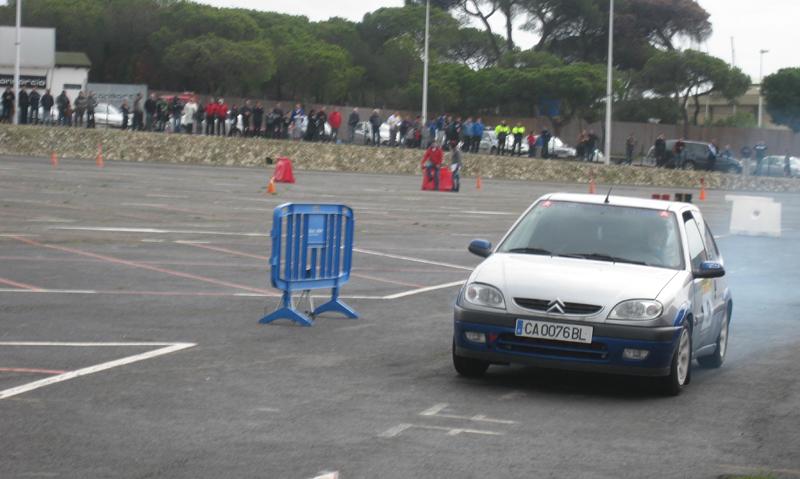 Los aficionados al motor pasaron una mañana muy entretenida en Punta Umbría.
