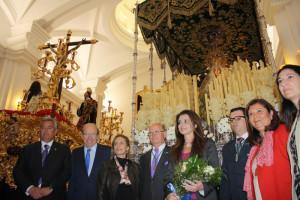 Ofrenda floral a la Hermandad de la Esperanza.