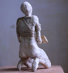 Las figuras aprovechan el potencial de los materiales para mostrar acciones.
