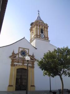 Fachada de la iglesia de El Almendro.