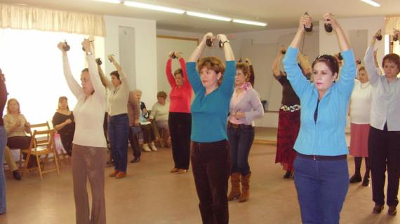 Unas 4.000 personas de Huelva participan activamente cada semana en las actividades del Centro Sociocultural Lazareto