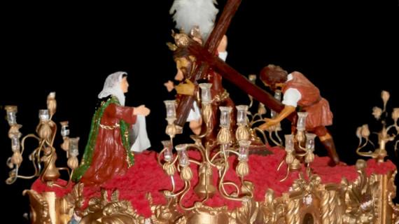 Aljaraque inaugura una exposición de miniaturas de Semana Santa