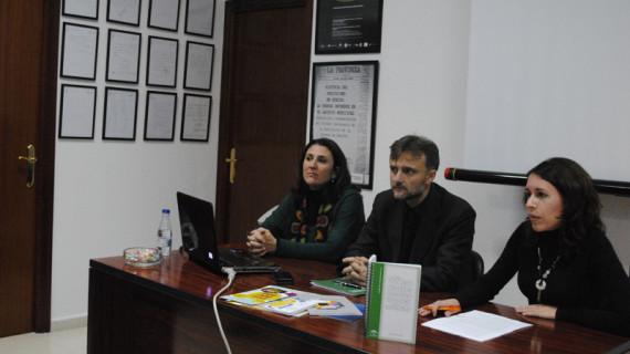 La Asociación de la Prensa de Huelva celebra un taller sobre prevención de la violencia de género con motivo del Día de la Mujer