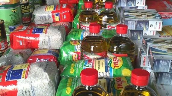 El Consorcio de Bomberos entrega 300 kilos de alimentos a Cáritas de Valverde