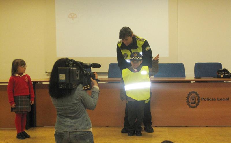 La Policía realiza esta labor de prevención en numerosos centros escolares.