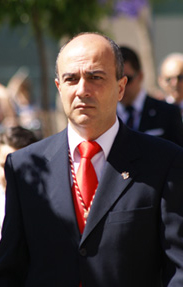 José Antonio Vélez es el hermano mayor de Los Judíos.