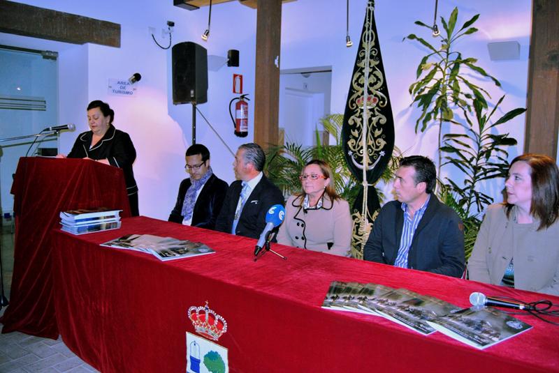 Presentación de la pregonera, el cartel y la revista de la Hermandad del Rocío de Isla Cristina.