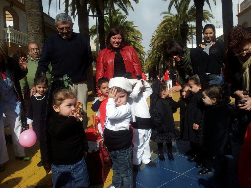 Los pequeños han desfilado por las calles de Isla Cristina.