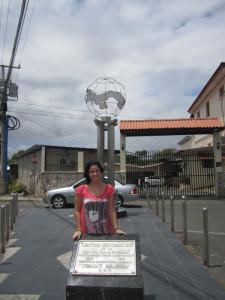 La joven onubense, en el centro geográfico de Panamá.
