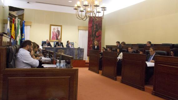 Diputación aprueba por unanimidad asumir la ocupación que le falta a la línea Huelva-Zafra para ser de Obligación de Servicio Público