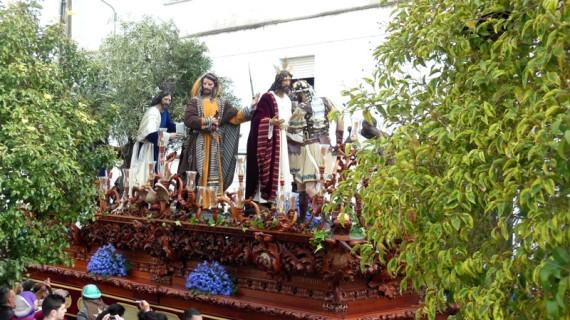 La Hermandad del Prendimiento abre el Miércoles Santo en Huelva arropada por cientos de onubenses