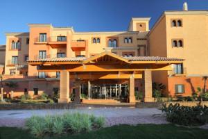 Fachada del hotel Barceló Beach Resort de Punta Umbría.