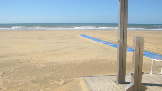 La playa de Punta Umbría se cierra para combatir la expansión del coronavirus