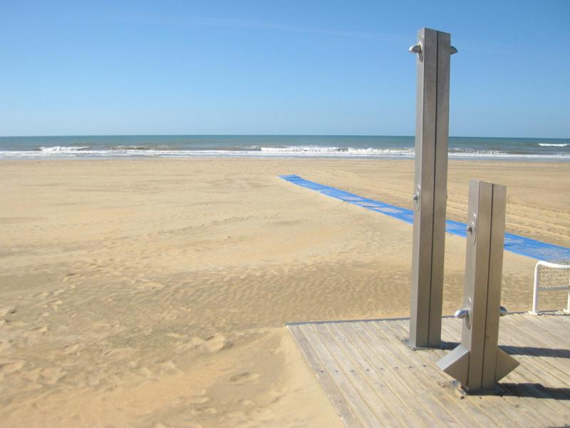 La playa de Punta Umbría está lista para recibir a los visitantes esta Semana Santa.